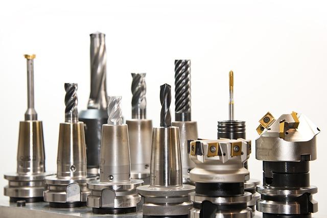 YAMANASHI-KEN NIRASAKI-SHI: Fábrica de auto peças, operador de máquina de torno NC, inspeção e montagem.